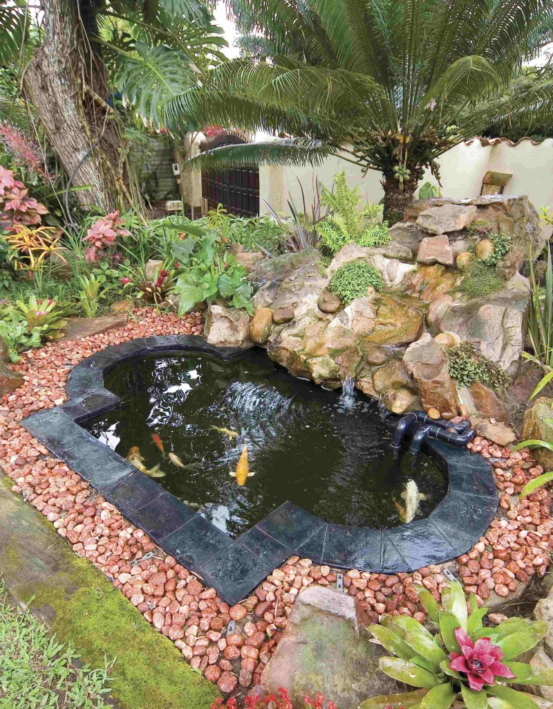 Fibreglass koi ponds for Koi pond garden